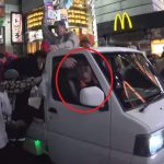 【経緯】渋谷ハロウィンでなぜ軽トラ横転?運転手が乗るよう煽っていた