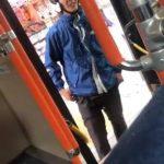 【炎上】宅配ピザ元配達員のDQN、バス停にバイク停めて運転手に逆切れ