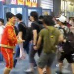 【動画】コミケ96始発ダッシュを闘牛士コスプレYouTuberが静止?