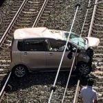 【福岡】福津市・東福間駅に車突っ込む 運転手がけが